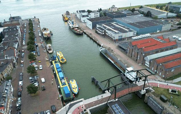 sima-charters-dock
